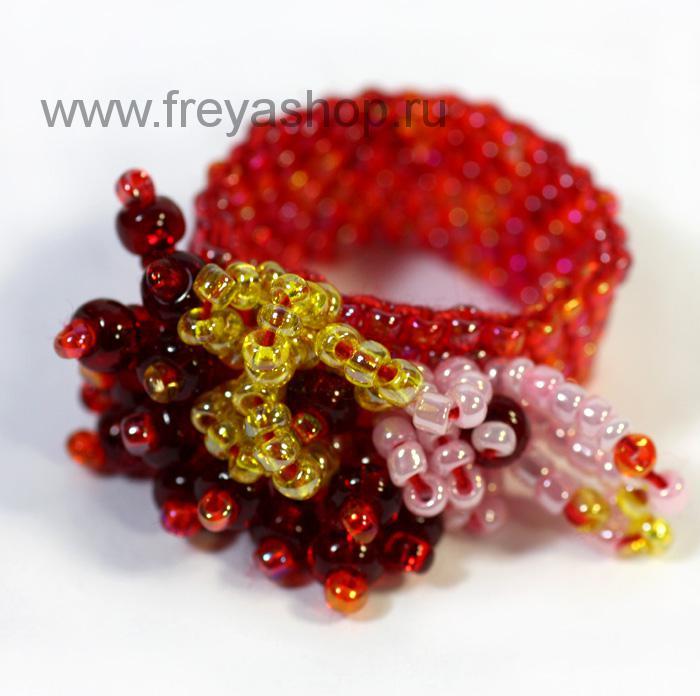 """Красное кольцо из бисера  """"Южная орхидея """", авторская работа, Россия."""