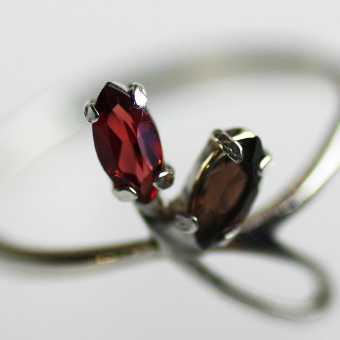 Сравни цены на браслеты с камнями в интернет-магазинах и сэкономь на В нашем магазине Вы найдете серебряные кольца...